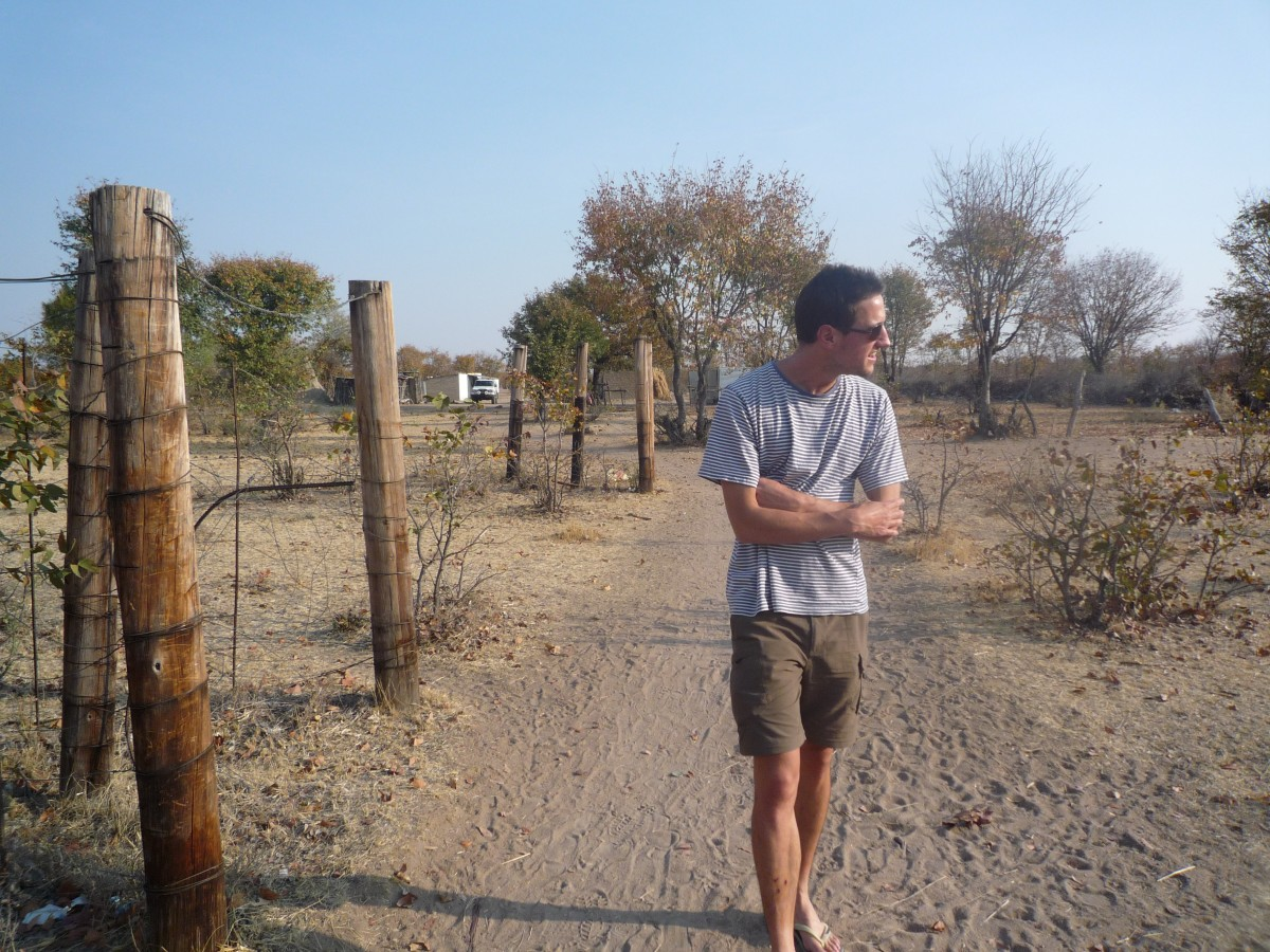 Urban entering Angola - without a visa. The open border is roughly 10Km away from my house.