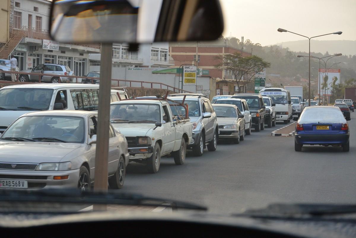 rush hour at 17:00, Kigali